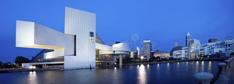 Blaues Panorama von Cleveland stockbilder