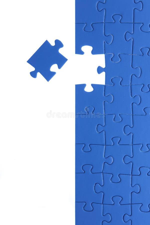 Blaues Puzzle Gesch?ftsl?sungen, Probleme, Wissenschaftstechnologie und Teamentwicklungskonzept l?send stockbilder