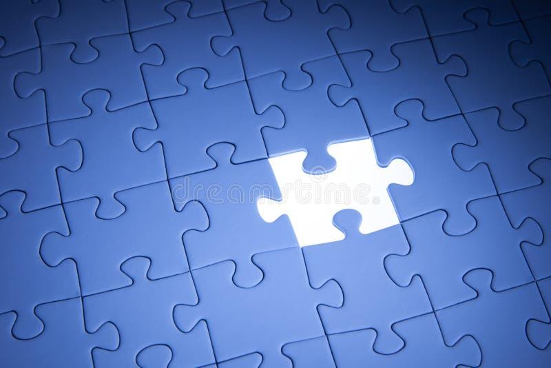 Blaues Puzzle Gesch?ftsl?sungen, Probleme, Wissenschaftstechnologie und Teamentwicklungskonzept l?send stockbild