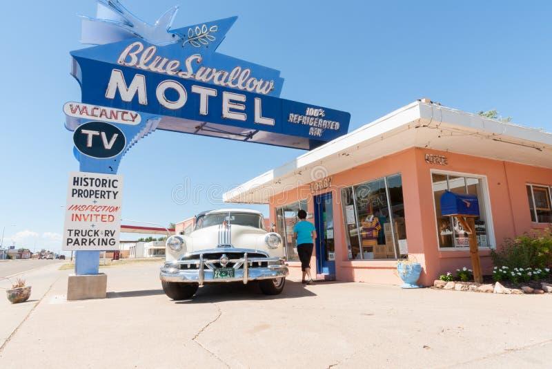 Blaues Schwalben-Motel, Tucumcari, Route 66, New Mexiko, USA lizenzfreie stockbilder