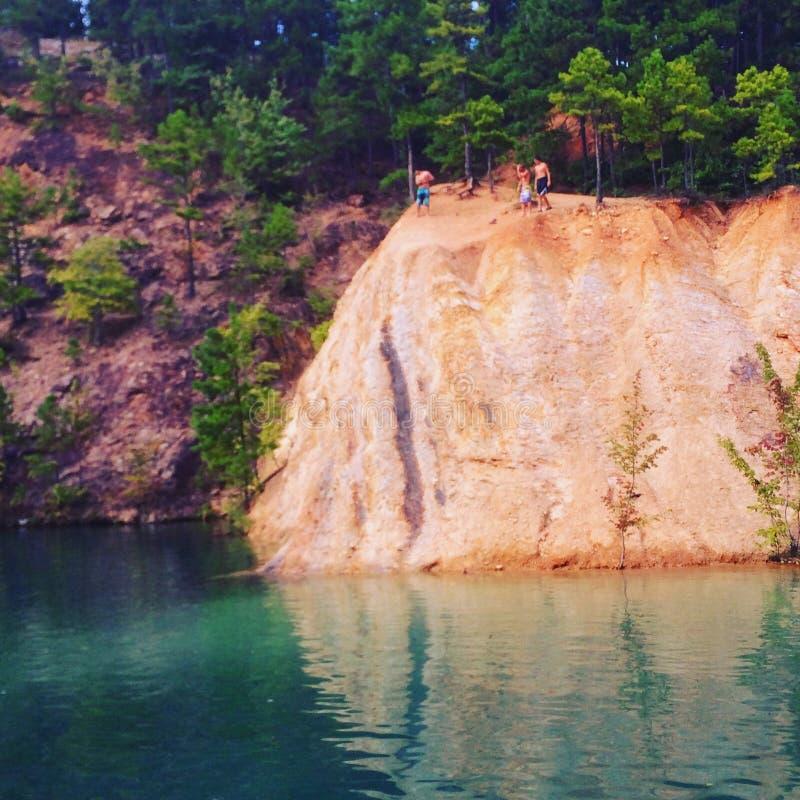 Blaues Schwimmen-Loch lizenzfreie stockbilder