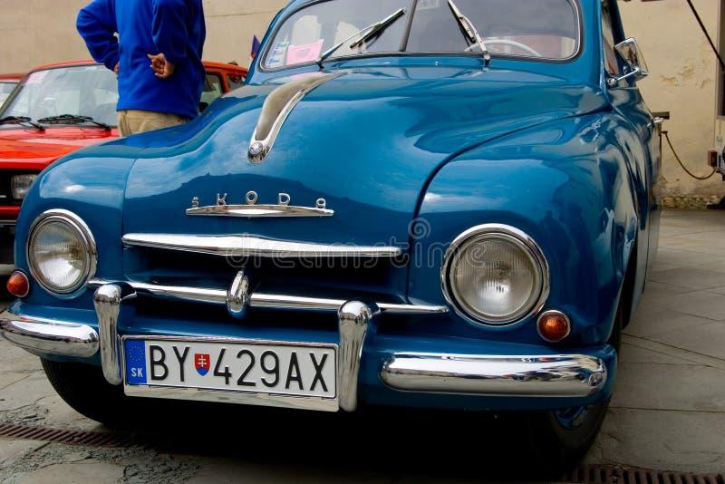 Blaues SKODA-Auto stockbilder