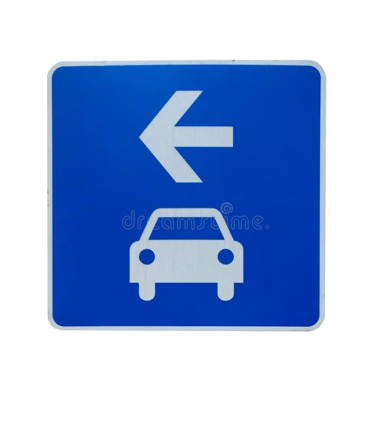 """Blaues Verkehrsschilder """" Turn right gehen zu Parkplatz """" auf weißem Hintergrund stockfotos"""