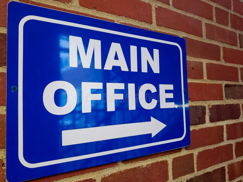Blaues Zeichen sagt Hauptbüro lizenzfreie stockfotografie