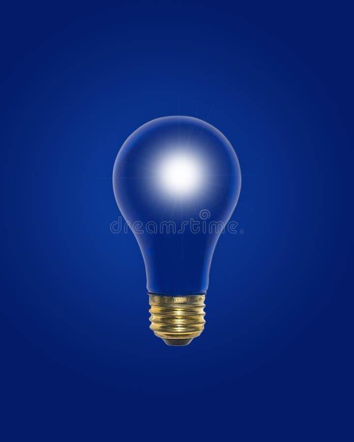 Blaulicht-Birne mit Weißglühen nach innen stockfoto