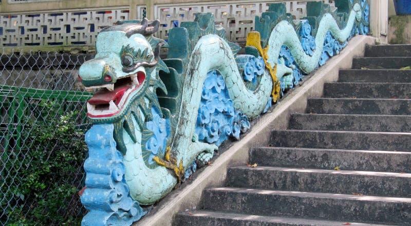 Blauw Aziatisch draakbeeldhouwwerk royalty-vrije stock foto's