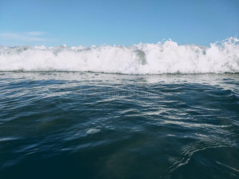 Blauw en groene golfoverzees royalty-vrije stock foto