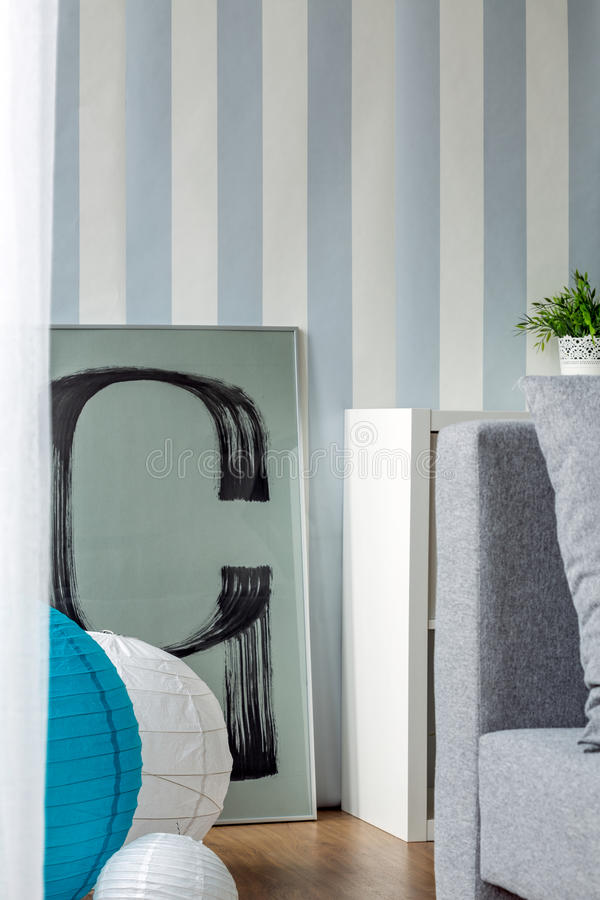 Blauw en wit gestreept behang royalty-vrije stock afbeeldingen