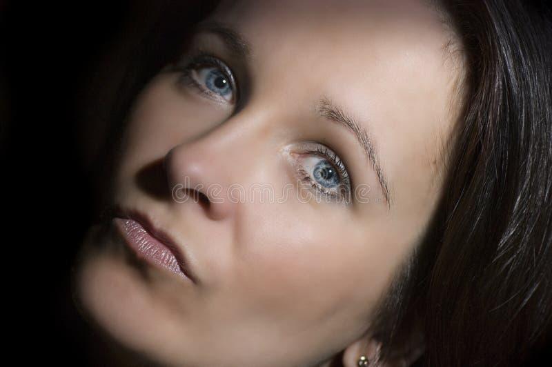 Blauw eyed vrouwenportret royalty-vrije stock afbeelding