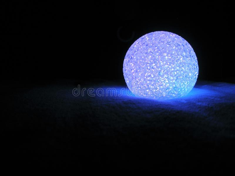 Blauw geleid licht bij nacht stock afbeelding
