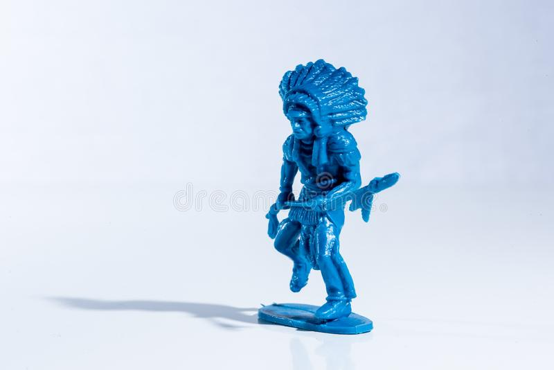 Blauw inheems Amerikaans plastic stuk speelgoed cijfer royalty-vrije stock afbeelding