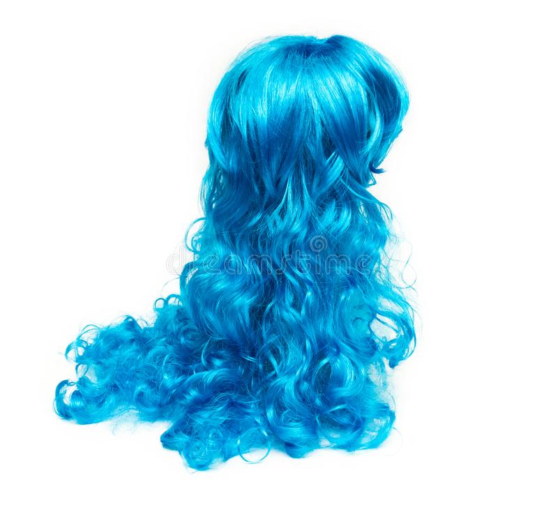 Blauw lang die haar op witte achtergrond wordt geïsoleerd stock foto
