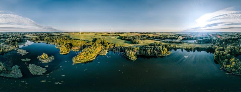 Blauw Meer Groen gebied en bosaard in Litouwen stock fotografie