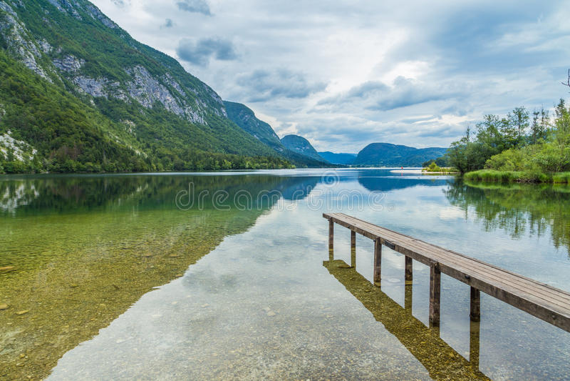 Blauw meer in Slovenië royalty-vrije stock foto's