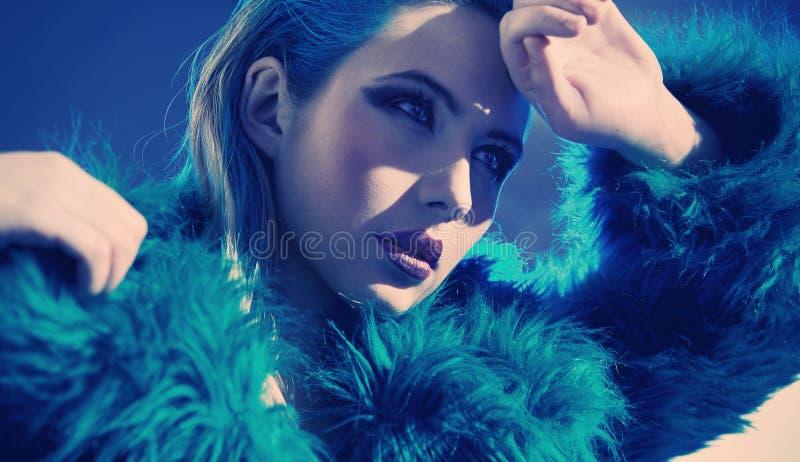 blauw meisje stock foto's