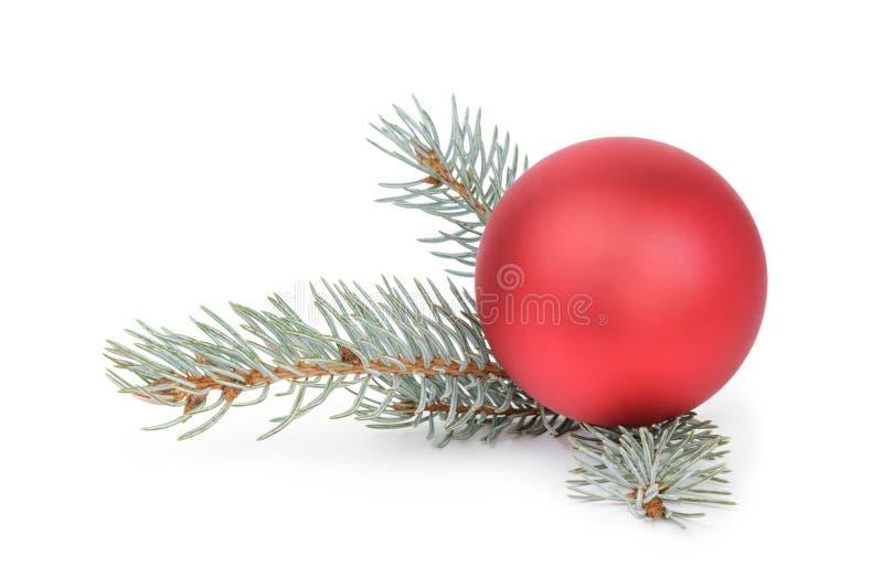 Blauw net takje met Kerstmisbal royalty-vrije stock foto
