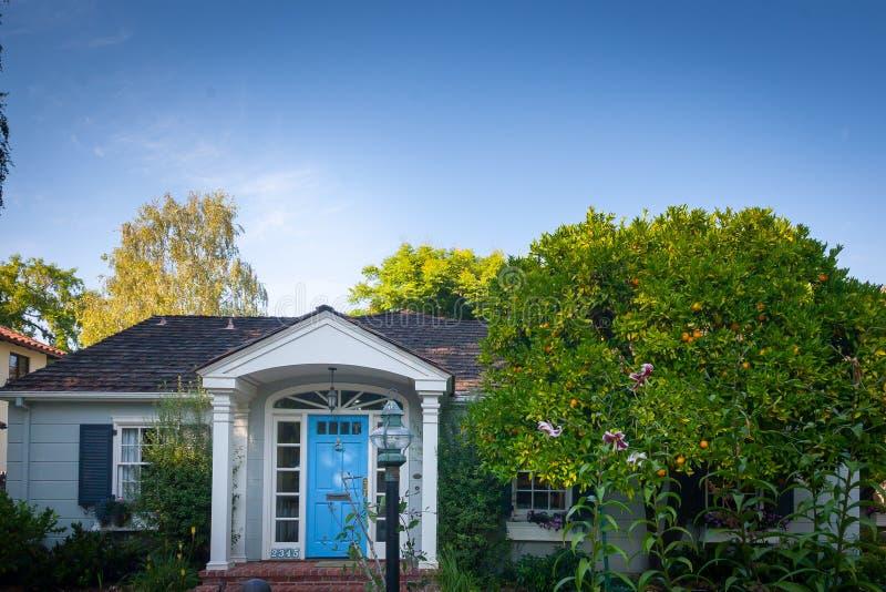 Blauw, oranje en groen in Palo Alto stock foto