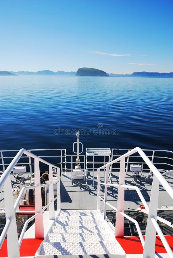 Blauw overzees en dek van hovercraft. stock foto