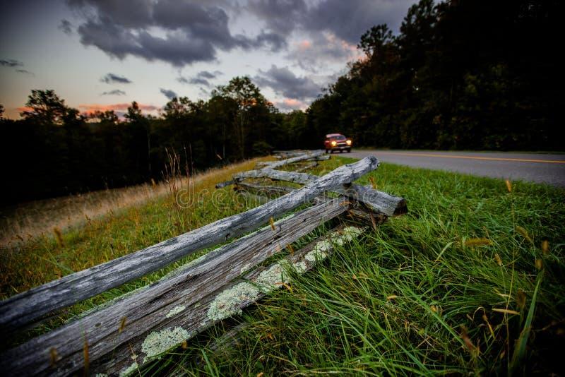 Blauw Ridge Parkway bij Schemer royalty-vrije stock fotografie