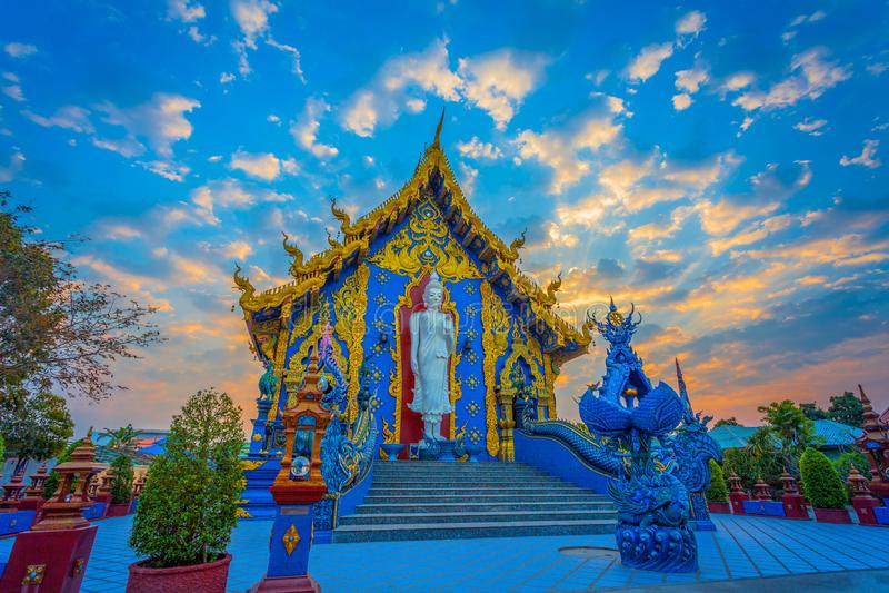 Blauw Tempel of Wat Rong Seua Ten in Chiang Rai royalty-vrije stock afbeelding