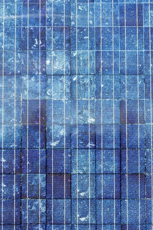 Blauw zonnepaneel stock foto