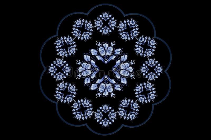 Blauwachtig golvend kader voor servet met geborduurde ornamenten van blauwe bloemen op zwarte achtergrond stock illustratie