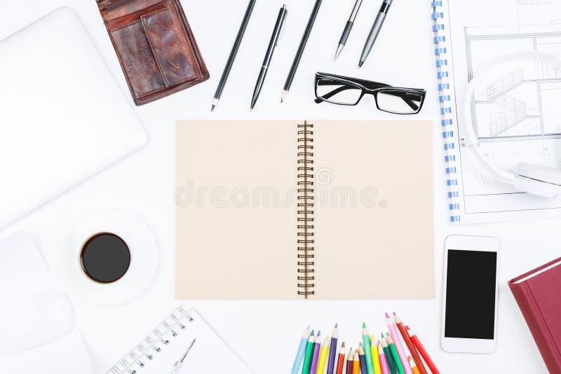 Blauwdruk en tafelbladconcept royalty-vrije stock afbeeldingen