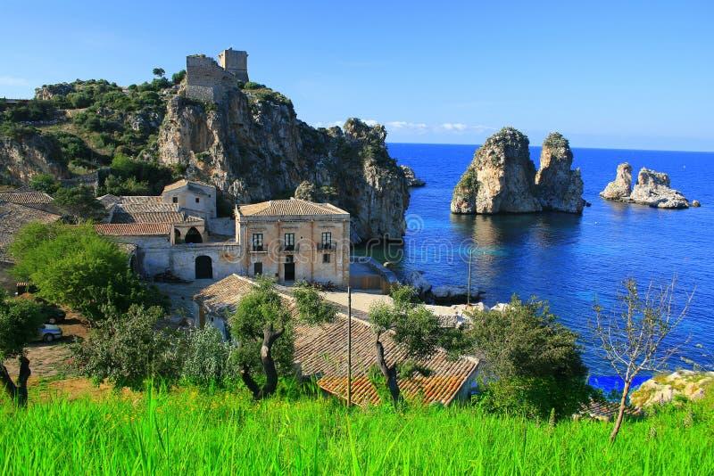Blauwe baai, de visserijhuizen van de Tonijn royalty-vrije stock afbeeldingen