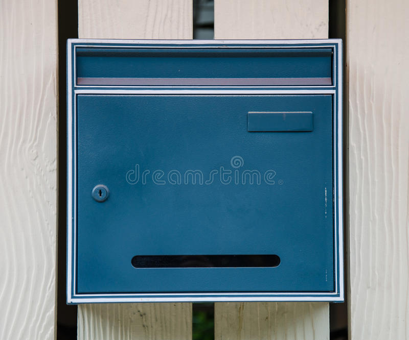 Blauwe brievenbus royalty-vrije stock foto's