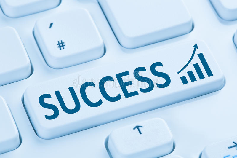 Blauwe comput van Internet succes succesvolle van de bedrijfs de groeistrategie royalty-vrije stock afbeelding