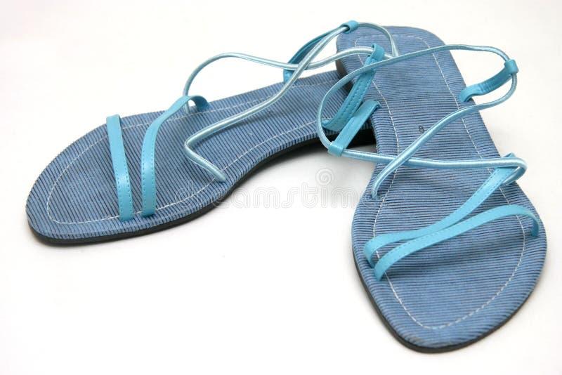 Blauwe damessandals stock fotografie
