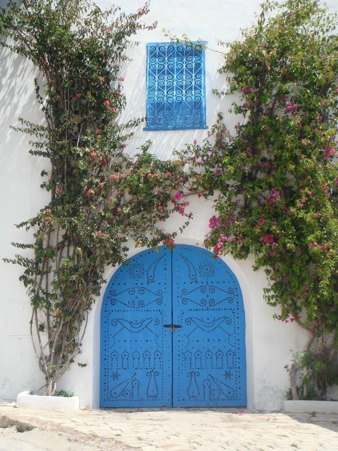 Blauwe deuren van Sidi Bou Said Tunisia royalty-vrije stock afbeeldingen