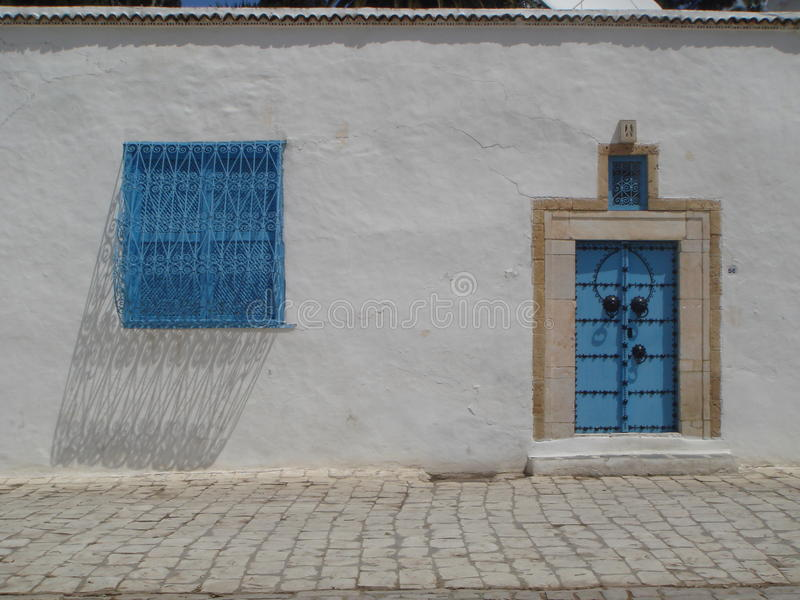 Blauwe deuren van Sidi Bou Said Tunisia royalty-vrije stock afbeelding