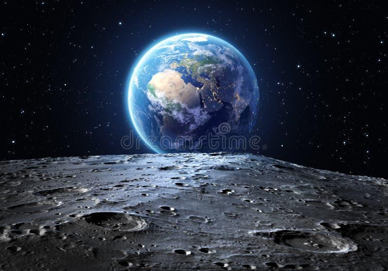 Blauwe die aarde van de maanoppervlakte wordt gezien royalty-vrije stock fotografie