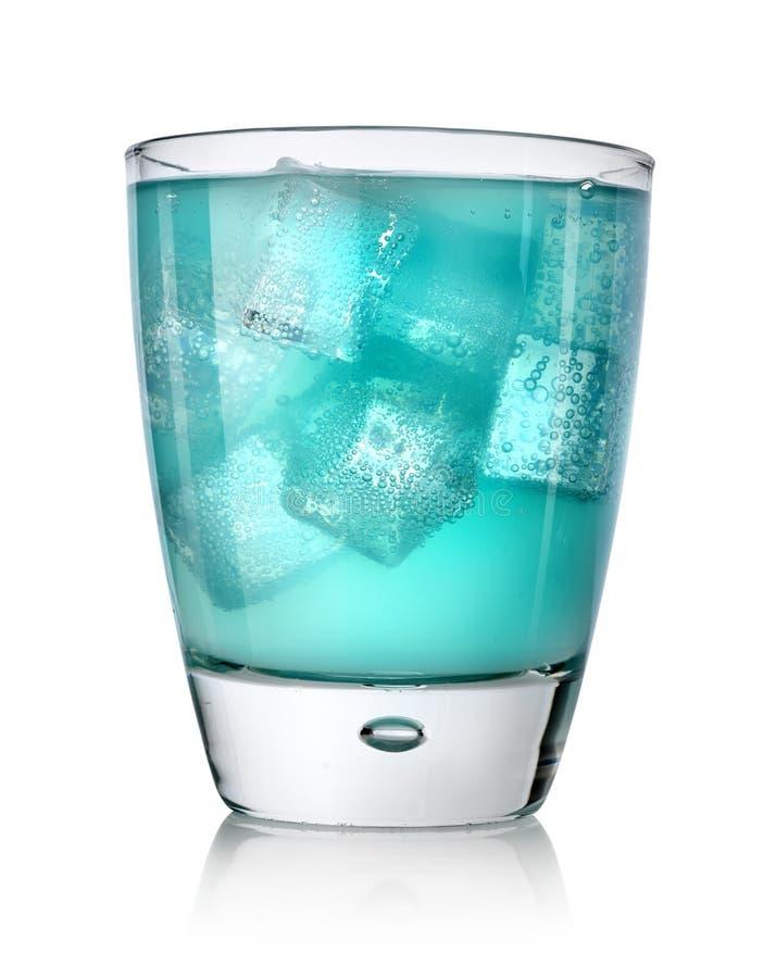 Blauwe drank met ijsblokjes royalty-vrije stock fotografie