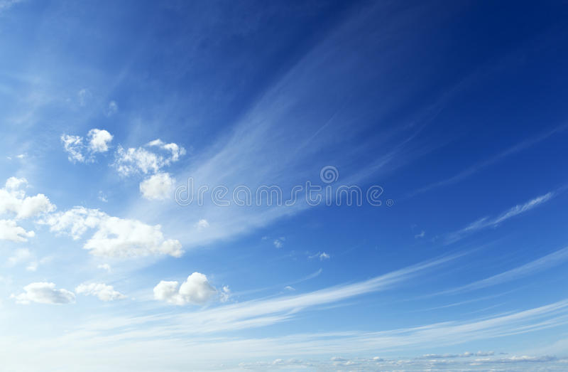 Blauwe en schone hemel stock foto's