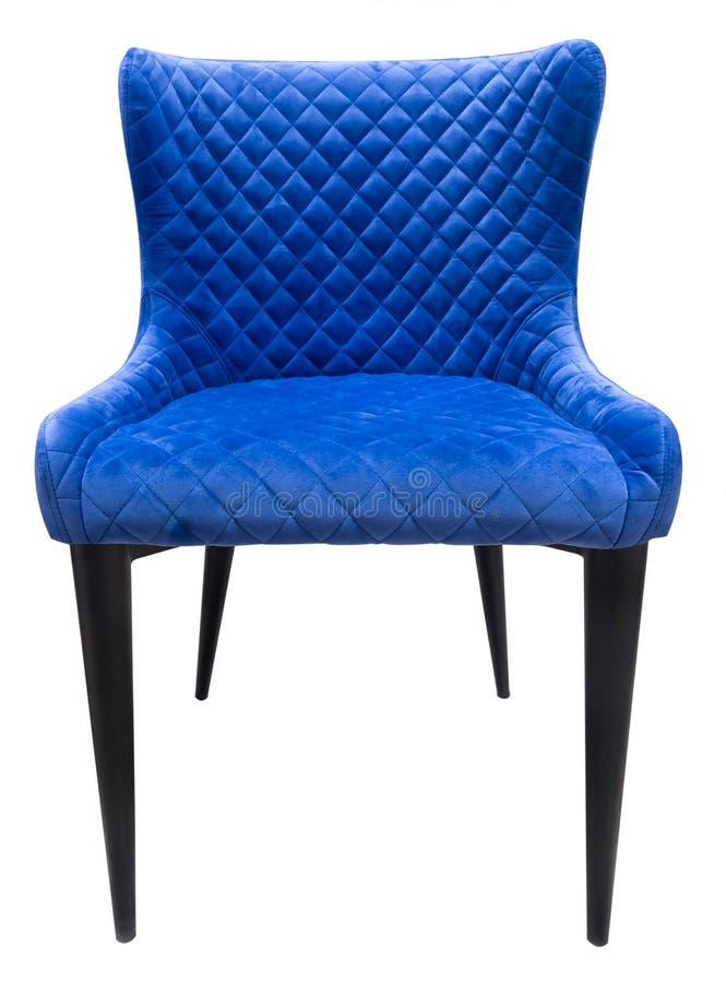 Blauwe fluweel moderne stoel met rug die zich rechtstreeks bevinden stock foto's