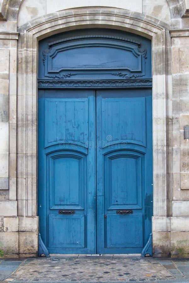 Blauwe Franse deur stock afbeelding