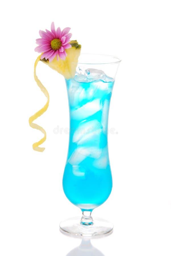 Blauwe Hawaiiaanse curacao koude cocktail royalty-vrije stock foto's