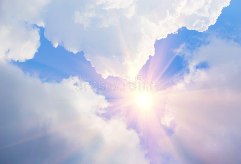 Download Blauwe Hemel met Wolken stock foto. Afbeelding bestaande uit beschrijvend - 107702866