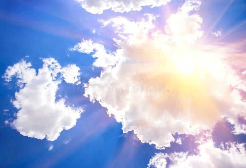 Download Blauwe Hemel met Wolken stock afbeelding. Afbeelding bestaande uit nave - 107703399