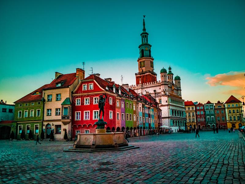 Blauwe hemel over Oude Stad royalty-vrije stock foto's