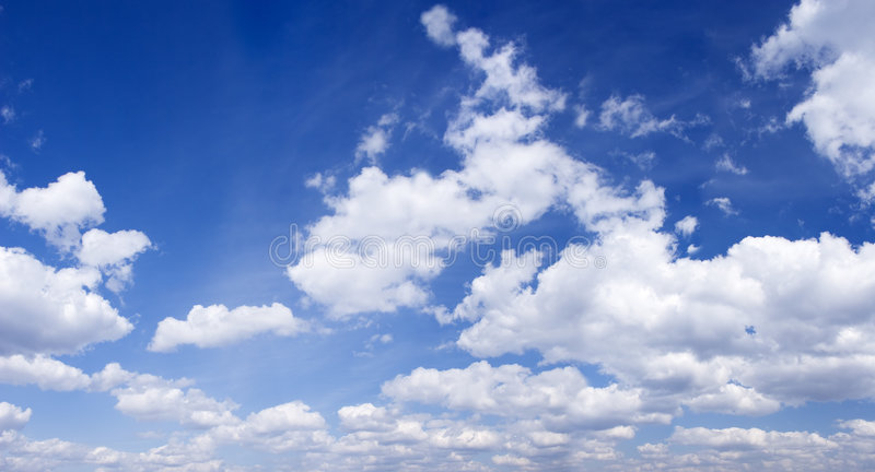 Blauwe hemel panoramische foto stock fotografie