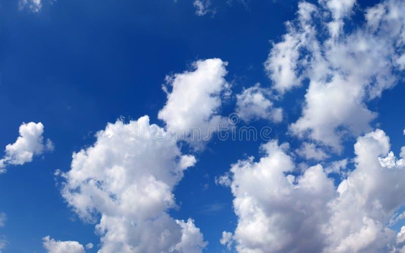 Blauwe hemel panoramische foto royalty-vrije stock foto's