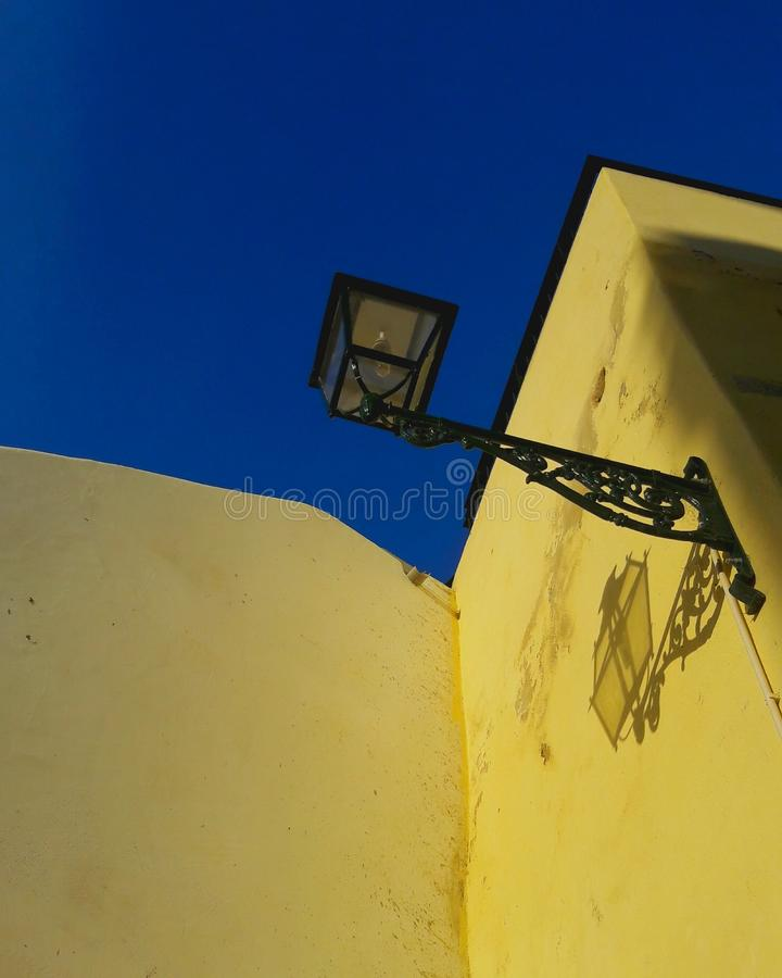 Blauwe hemel van Lissabon stock foto