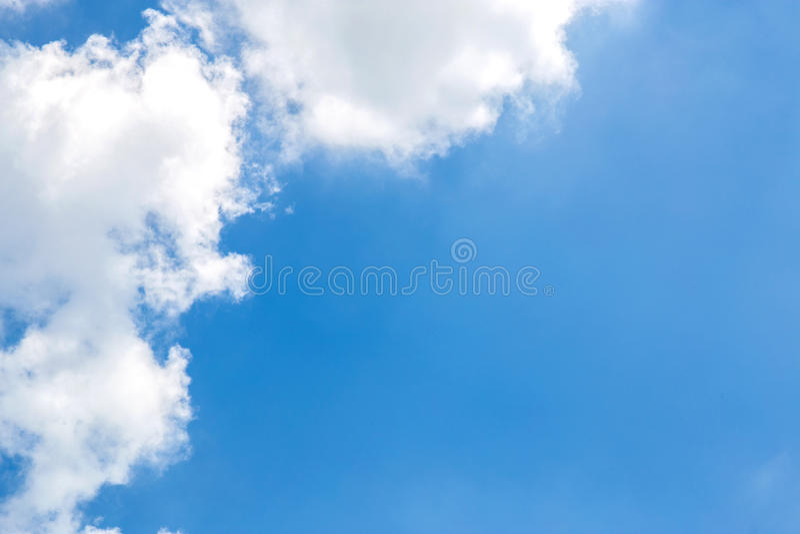 Blauwe hemelwolken royalty-vrije stock fotografie