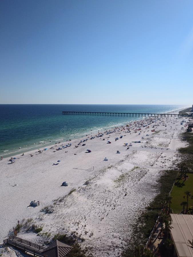Blauwe het waterpret van de stranddag in de zon stock foto's