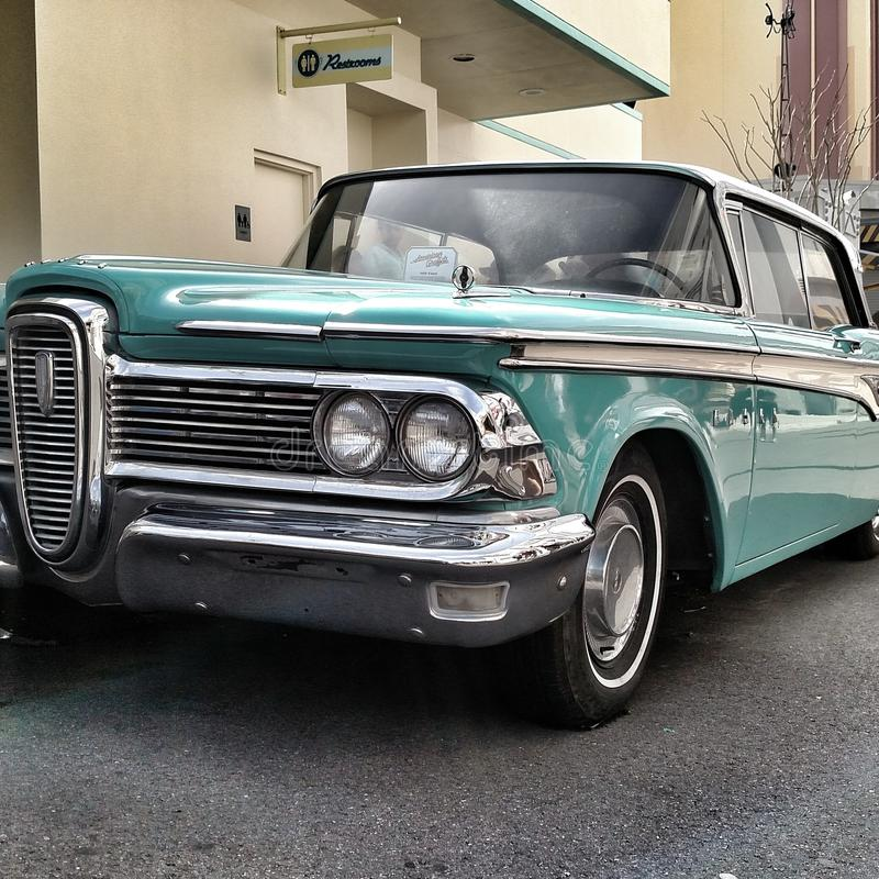 Blauwe Klassieke auto royalty-vrije stock foto's