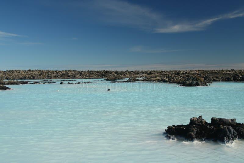 Blauwe Lagune Grindavik Bláa Lónið - de blauwe kleur komt uit silicaten wijzend op licht, IJsland stock foto's