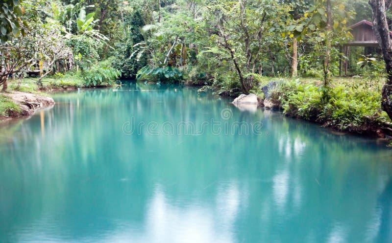 Blauwe lagune in Vang Vieng, Laos stock foto